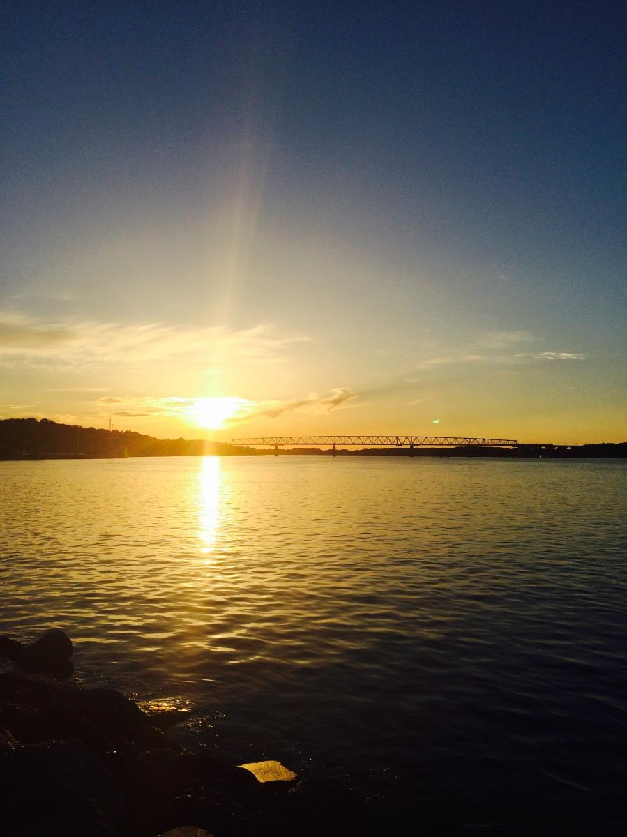 Middelfart - spannendes Hafenkino, traumhafte Sonnenuntergänge und eine Radtour zum Hindsgavl Slot