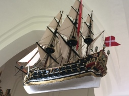 Ein Kirchenschiff im Kirchenschiff...