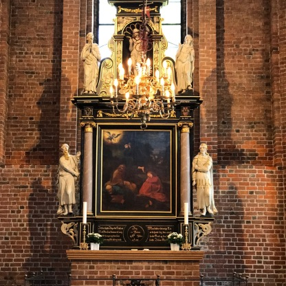 Skt. Mariæ Kirke innen