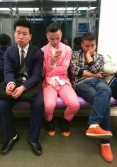 Mut zur Farbe in der Metro!